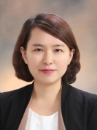 김윤수 사진