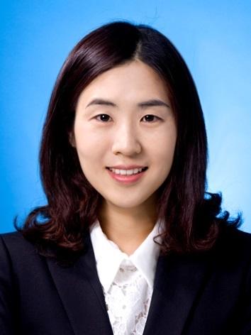 김윤희 사진